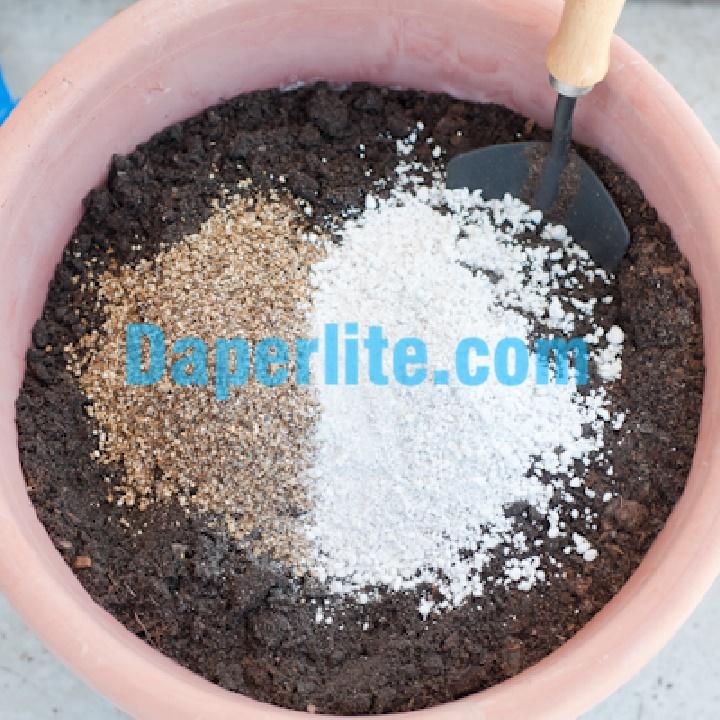 Công thức trộn đá Perlite - đất sạch và phân vi sinh để trồng rau trên sân thượng