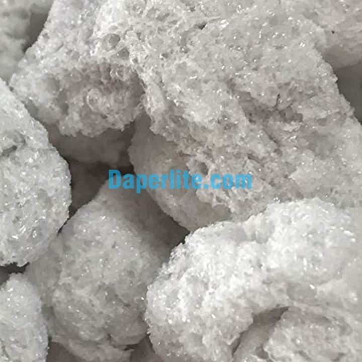 Vai trò hút nước và chất mang của đá Trân châu Perlite Namix